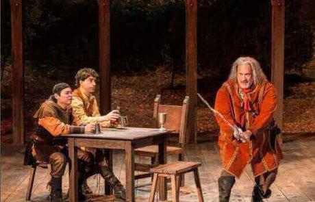 טום האנקס בהפסקה לא מתוכננת במחזה של שייקספיר